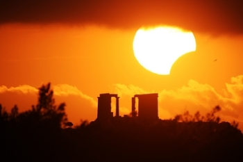 Eclipse over the Temple of Poseidon_