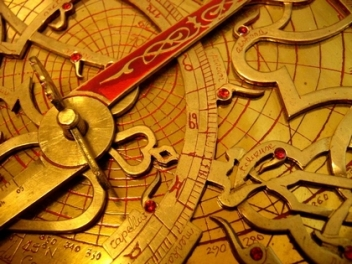 Astrolabe on Fotopedia_