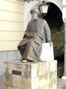 Maimonides-Statue
