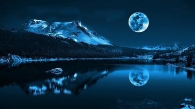 moon-cold-lake-reflections