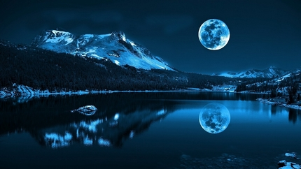 moon-cold-lake-reflections