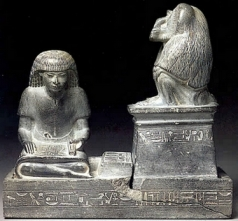 01-statue-du-scribe-nebmertouf-et-thot