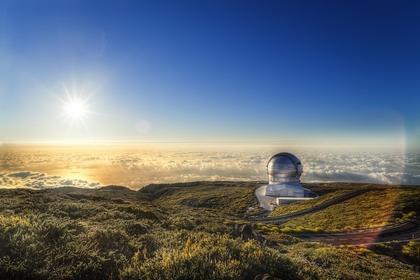 Sol-y-Gran-Telescopio-de-Canarias_BIA_Instituto-Astrofisico-de-Canarias