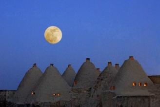 full moon at Harran by keribar